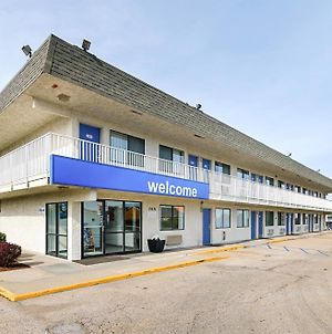 Motel 6 Topeka Northwest photos Exterior
