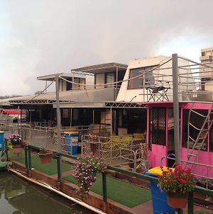 Corroboree Houseboats photos Exterior