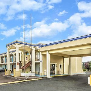 Days Inn By Wyndham Ashland photos Exterior
