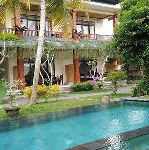 Nyoman Sandi Guest House photos Exterior