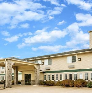 Super 8 By Wyndham Neillsville Wi photos Exterior