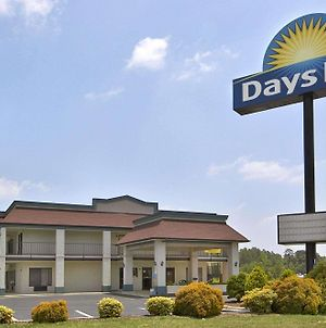 Days Inn Yanceyville photos Exterior