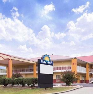 Days Inn By Wyndham Trenton photos Exterior