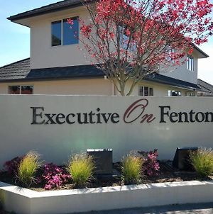 Executive On Fenton photos Exterior