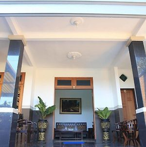 Puri Kusuma Guest House photos Exterior