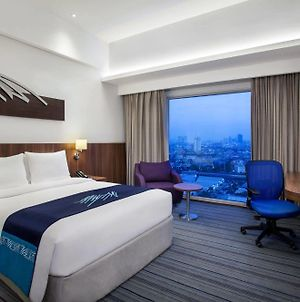 Holiday Inn Express Jakarta Pluit Citygate photos Exterior