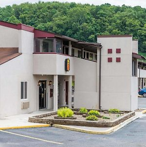 Super 8 By Wyndham Bridgeport/Clarksburg Area photos Exterior