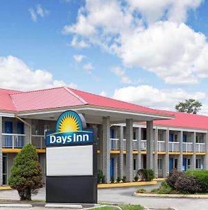 Days Inn By Wyndham Richmond photos Exterior