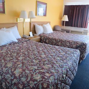 Days Inn By Wyndham Kingdom City photos Room