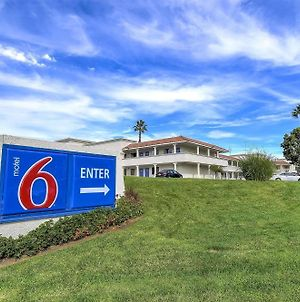 Motel 6 Carlsbad South photos Exterior