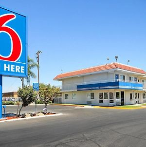 Motel 6 Fresno Blackstone photos Exterior