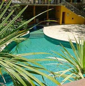 Amazing Studio Apartment With Pool - Close To Beach photos Exterior