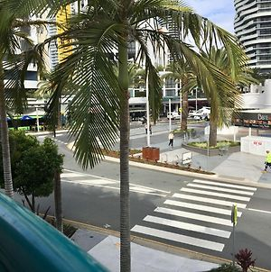 Broadbeach Private Apt With Cha photos Exterior