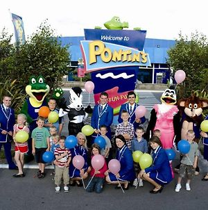 Pontins-Southport Holiday Park photos Exterior