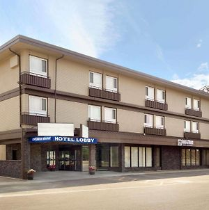 Travelodge By Wyndham Lethbridge photos Exterior