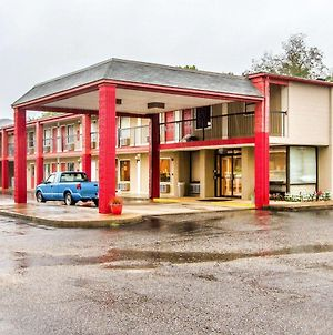 Econo Lodge Inn & Suites Fort Rucker photos Exterior