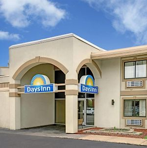 Days Inn By Wyndham Bloomington West photos Exterior