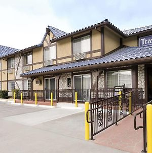 Travelodge By Wyndham Santa Clarita/Valencia photos Exterior