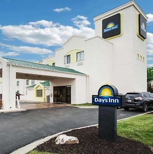 Days Inn By Wyndham Blue Springs photos Exterior