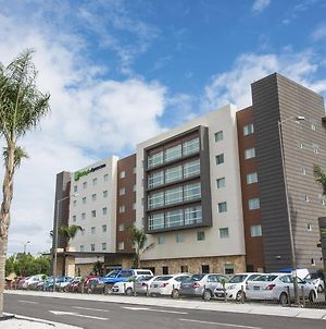 Holiday Inn Express And Suites Celaya photos Exterior