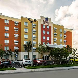 Comfort Suites Fort Lauderdale Airport South & Cruise Port photos Exterior