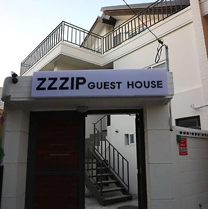 Zzzip Guest House photos Exterior