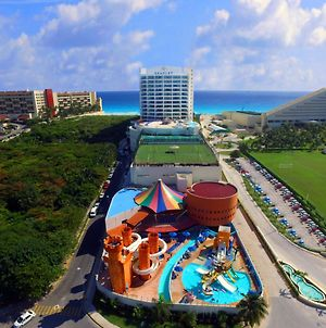 Seadust Cancun Family Resort photos Exterior