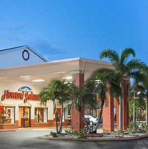 Howard Johnson By Wyndham Ft. Myers Fl photos Exterior