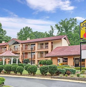 Super 8 By Wyndham Downtown Gatlinburg At Convention Center photos Exterior