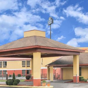 Days Inn & Suites By Wyndham Casey photos Exterior