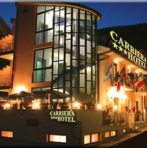Carriera photos Exterior