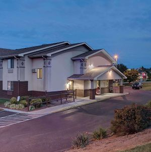 Super 8 By Wyndham Christiansburg/Blacksburg Area photos Exterior