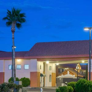 Days Inn By Wyndham Tucson Airport photos Exterior