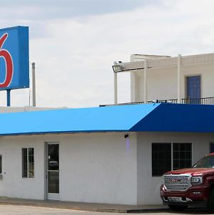 Motel 6 Delano photos Exterior