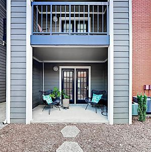 Chic Sobro 1 Bedroom Apts photos Exterior