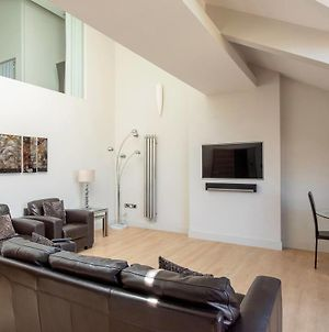 Amazing Spacious 2 Bed Duplex Penthouse W Balcony photos Exterior