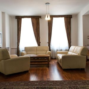 Wenceslas Square Apartments, 150 Square Metres, 2 Bathrooms, 3 Bedrooms, Lounge Room, Dinning Room, Balcony, Hot Tub In Deluxe Option photos Exterior