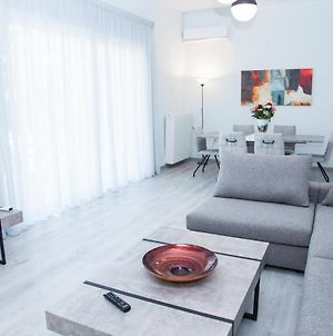 Minimal 3 Bedroom Apartment In Glyfada photos Exterior
