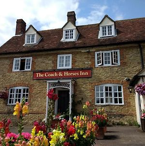 The Coach & Horses Inn photos Exterior