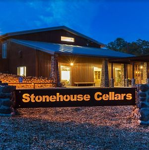 Bed & Barrel At Stonehouse Cellars photos Exterior