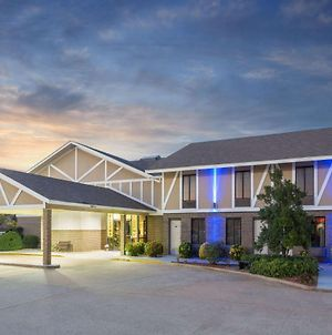 Super 8 By Wyndham Bentonville photos Exterior