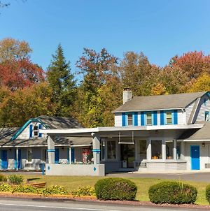 Knights Inn Poconos/Bartonsville photos Exterior