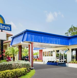 Days Inn By Wyndham Fort Myers Springs Resort photos Exterior