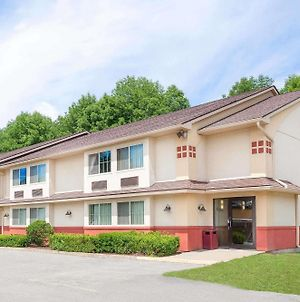 Super 8 By Wyndham Oneonta/Cooperstown photos Exterior