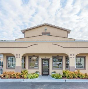Super 8 By Wyndham Santee photos Exterior