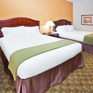 Holiday Inn Express Peachtree Corners-Norcross photos Room