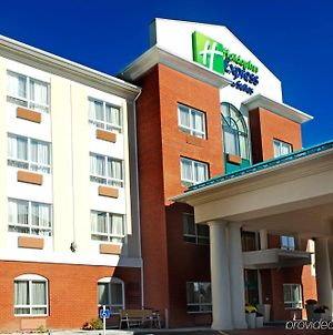 Holiday Inn Express Hotel & Suites Edson photos Exterior