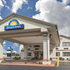 Days Inn By Wyndham Hillsdale photos Exterior