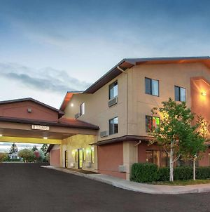 Super 8 By Wyndham Butte Mt photos Exterior