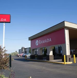 Ramada By Wyndham Bismarck photos Exterior